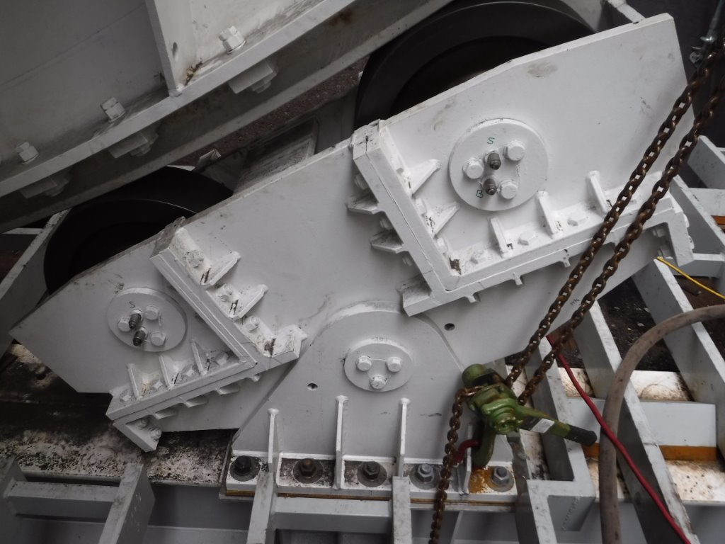 Quick Change Trunnion Assembly