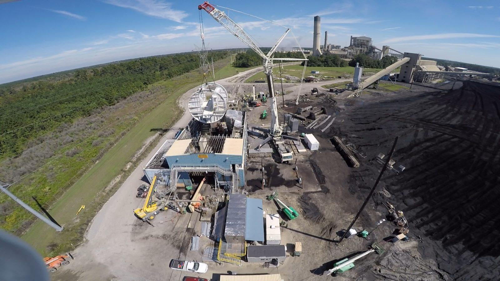 Rotary Dumper Barrel Lift Into Building White Bluff